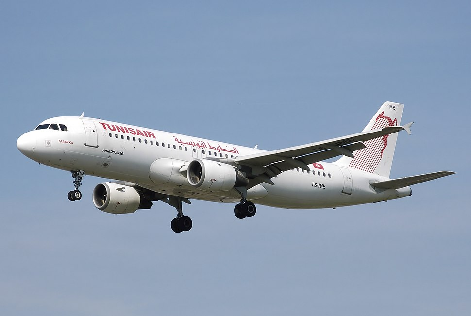 Tunisair.a320-200.ts-ime.arp