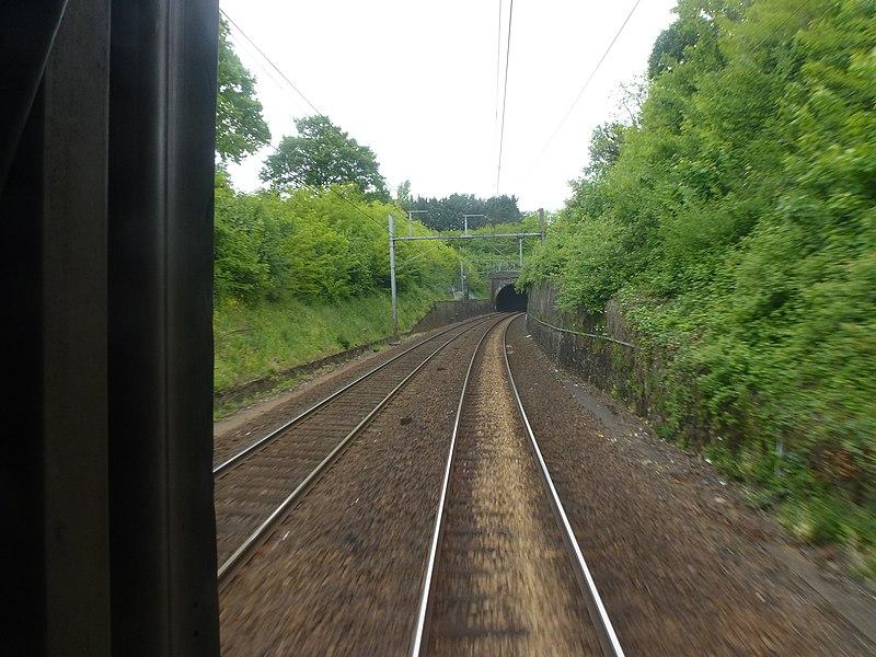 Tunnel chemin de fer à l'approche d'Évreux