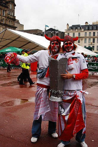 2007 UEFA Cup Final - Sevilla fans in Glasgow's George Square.