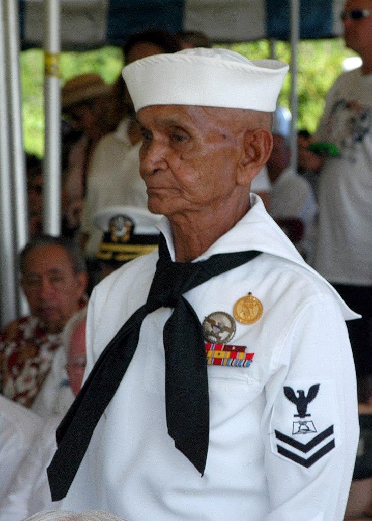 File:US Navy 040721-N-4658L-070 Retired WWII veteran, Navy