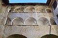 Unterzeiring - Schloss Hanfelden - 02 - Arkaden.jpg
