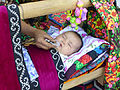 Urazmat-Bébé emmailloté à la façon ouzbek (5).jpg