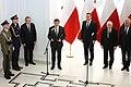 Uroczystość odsłonięcia tablicy upamiętniającej śp. Prezydenta RP Lecha Kaczyńskiego (2).jpg