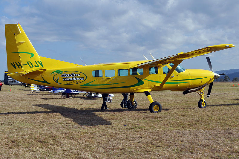 File:VH-DJV Cessna 208 Caravan I (6901055665).jpg