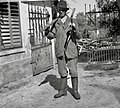 V goro gre drva delat. Jože Kos, Stranj 14, Gorenje Vrhpolje. Ima na sebi sveder, žago, sekiro, cepin, putrh 1952 (2).jpg
