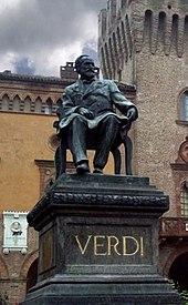 Statua di Giuseppe Verdi