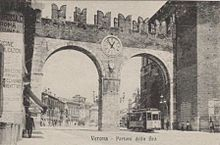 Verona - Accesso piazza Bra.JPG