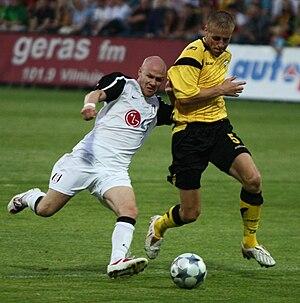 Andrew Johnson (English footballer) - Johnson (left) playing for Fulham in 2009