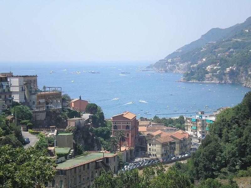 File:Vietri Sul Mare (foto di Peppe Pepe da Angri) - panoramio.jpg
