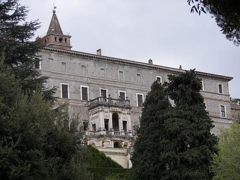 File:Villa d'Este manor.jpg
