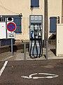 Villeblevin-FR-89-station pour bagnoles électronucléaires-01.jpg