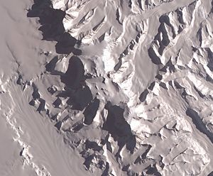 English: Satellite image of Vinson Massif, Ant...