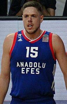 Владимир Штимац у дресу Анадолу Ефеса 2018. године