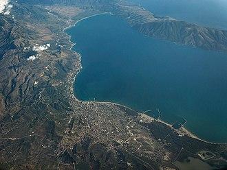 Bay of Vlorë - Image: Vlora von oben, Albanien 2014