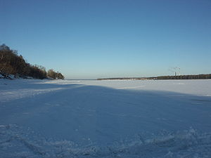 Yaroslavl - A completely frozen Volga River in Yaroslavl (winter 2006)