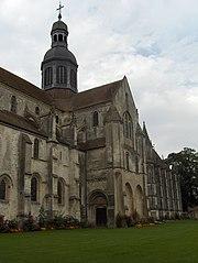Vue partielle de l'abbaye Saint-Germer-de-Fly
