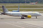 Vueling, EC-MBE, Airbus A320-214 (16945481496) (2).jpg