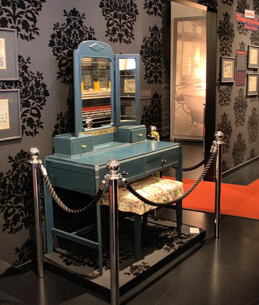 File:WLANL - Quistnix! - Maritiem Museum - kaptafel.jpg
