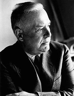 Wallace Stevens, 1948.jpg