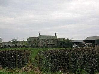 Laigh Milton Viaduct - West Gatehead farm in 2007