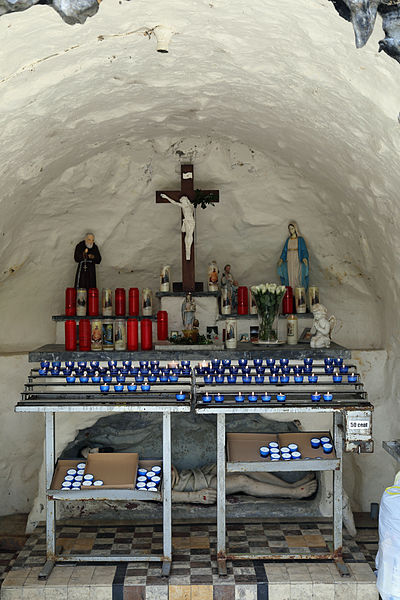 Westvleteren (municipality of Vleteren, Belgium): the Lourdes grotto near St Sixt's Abbey