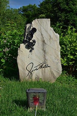 Greta Keller - Grave of Greta Keller