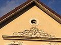 Wohnhaus Oldenburg Fassade Frau Lilien.jpg
