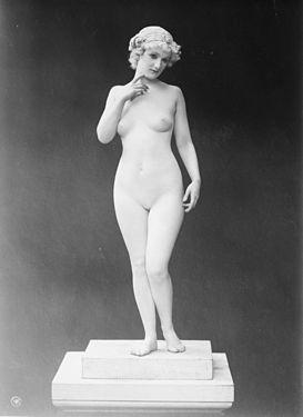 Woman (32216u).jpg