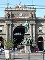 Zürich Alfred-Escher-Denkmal 1000411.jpg