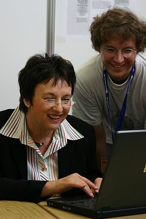 LinuxTag - Federal Minister of Justice Brigitte Zypries at Wikipedia-Stand
