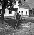 """""""Bačn"""" za vodo+ lij+ lesen korec za zajemanje vode, Viševek 1962.jpg"""