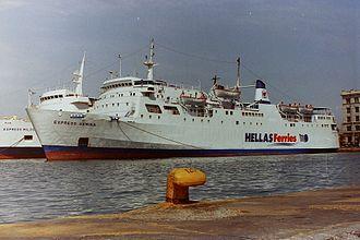 "MS Express Samina - Image: ""Express Samina"" Piraeus, 2000"
