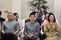 นายกรัฐมนตรี และคณะรัฐมนตรีพร้อมคู่สมรสเป็นเจ้าภาพในพิ - Flickr - Abhisit Vejjajiva (22).jpg
