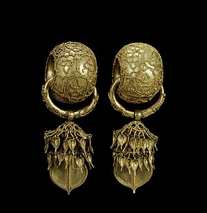 Granulation (jewellery) - Granulated 6th Century earrings found in South Korea