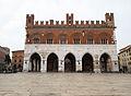 001891 palazzo gotico piazza cavalli.JPG