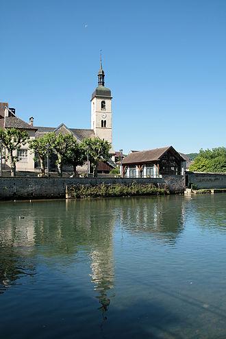 Ornans - Image: 0 Ornans Loue Quartier de l'église St Laurent (1)