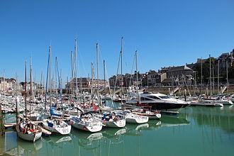 Saint-Valery-en-Caux - The marina and town centre