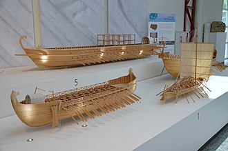 Dromon - Reconstruction (top) in 1:10 scale of a dromon's hull, at the Museum of Ancient Seafaring, Mainz