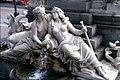 185L16110489 Stadt, Parlament, Brunnenfiguren.jpg
