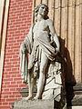 19. Männliche Figur vor Felsstaffage Neues Palais Sanssouci Steffen Heilfort.JPG