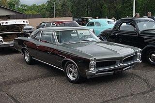Pontiac Tempest Automobile manufactured by Pontiac
