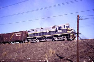 Belt Railway of Chicago - A Belt Railway ALCO Century 424 locomotive in 1968.