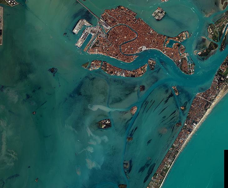 File:2001-NASA-Satellitenaufnahme Venedig.jpg