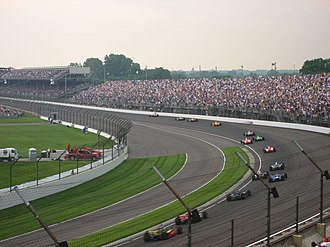 2007 Indianapolis 500 - Dario Franchitti leads the field back to the final restart on Lap 162.
