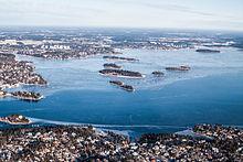 Luftfoto over Stora Värtan har sydfra set.