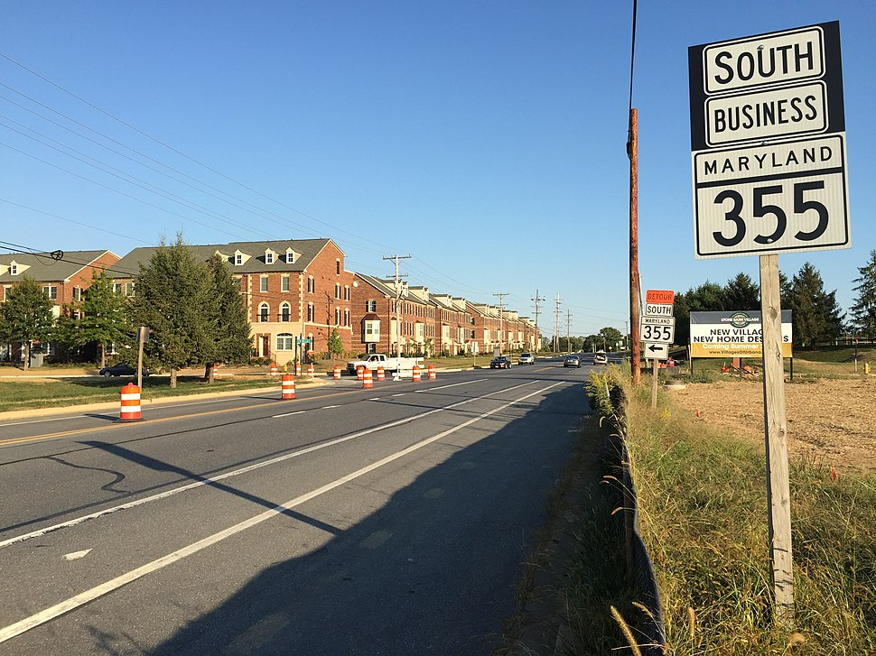 2016-09-23 17 49 44 View south along Maryland State Route 355 Business (Urbana Pike) at Maryland State Route 355 (Worthington Boulevard) in Urbana, Frederick County, Maryland
