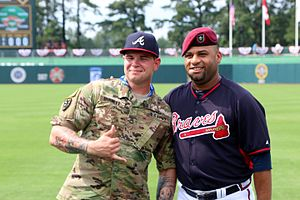Arodys Vizcaíno - Sgt. 1st Class Alex Burnett (left) with Vizcaíno (right) at the Fort Bragg Game in 2016