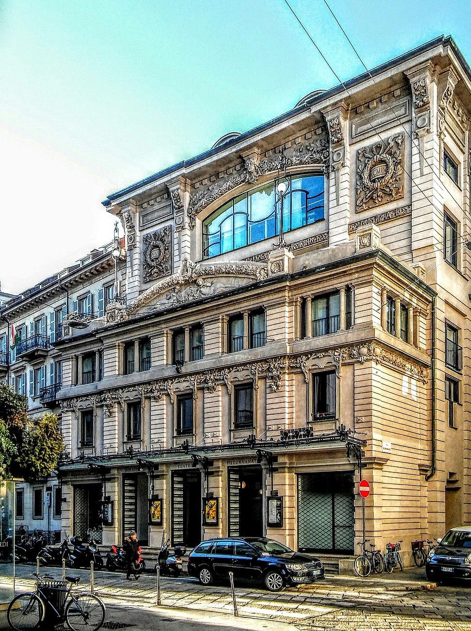 20170115 Teatro filodrammatici Milano