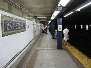 23rd Street (BMT Broadway Line) - Uptown platform