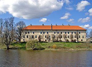 Dundaga Castle - Image: 4 Dundagas pils pari dikim 24apr 03
